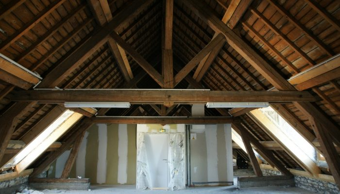 Public et privé engagés : visites de rénovations performantes en centre urbain, à Dole (39)